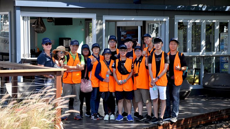 White Bay 6 hosts Taiwanese students